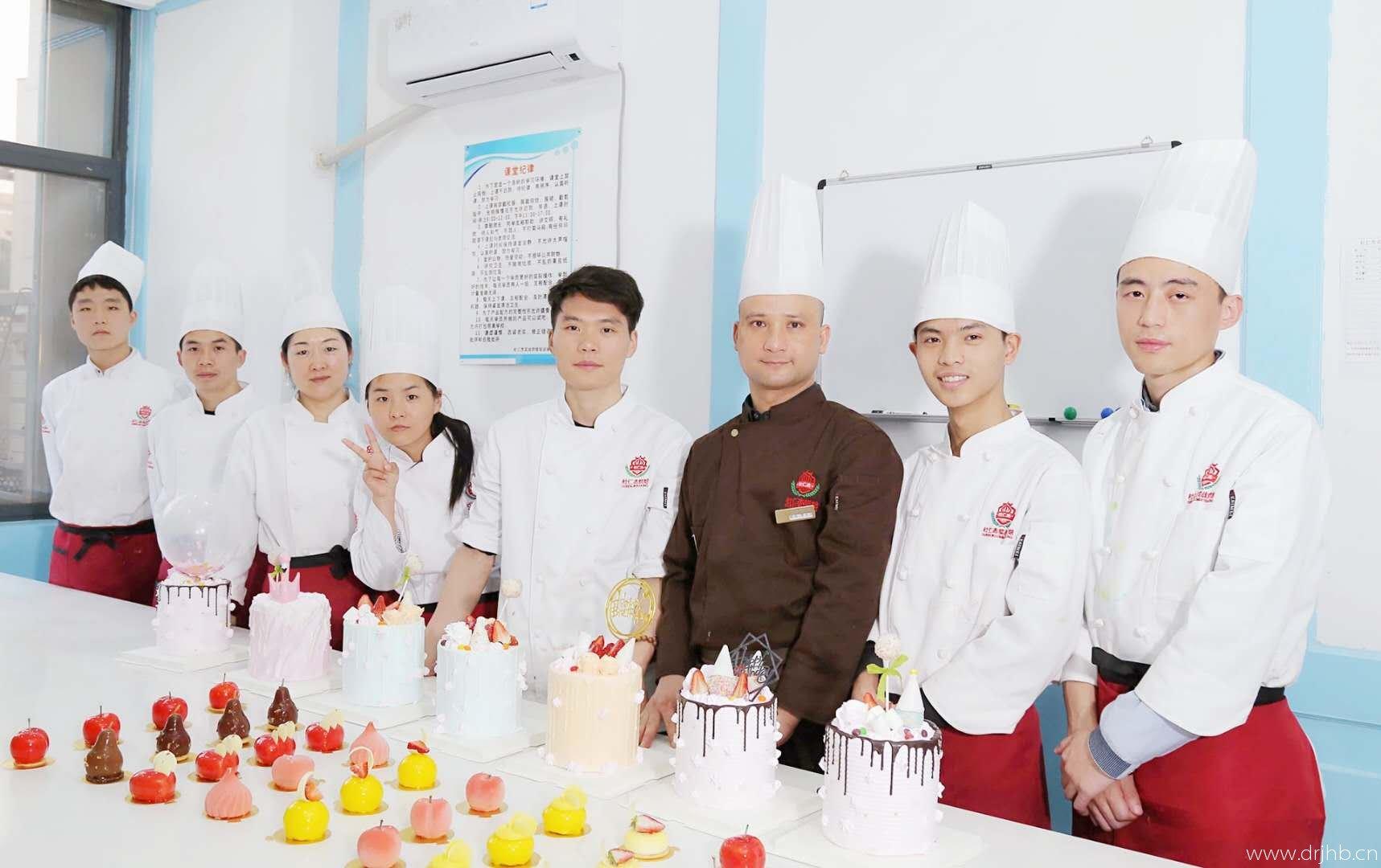 烘焙开店创业培训-杜仁杰名师传授西点蛋糕面包技术